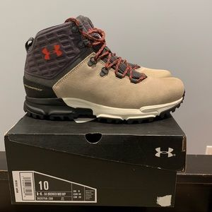 Under Armour Brower Mid Waterproof Hiking Boot.